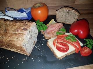 Brot aus Dinkelmehl mit Ameranth und Quinoa