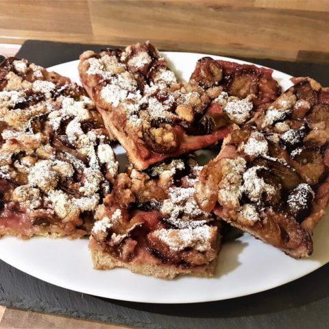 Zwetschgenkuchen – kalorienarmer Blechkuchen aus Dinkelmehl-Mürbeteig