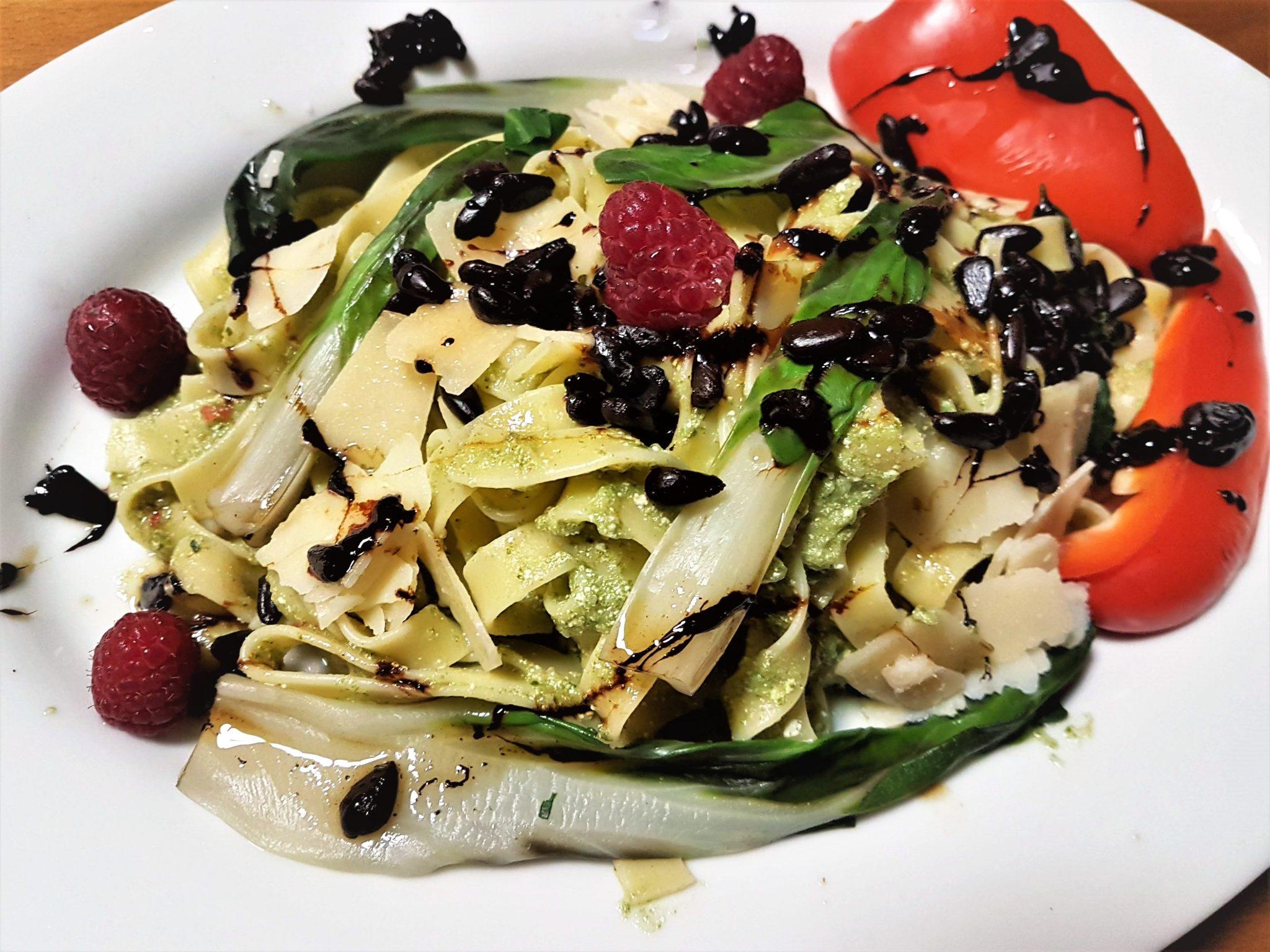 Mangold-Pesto, leichte Küche, Italienische Küche