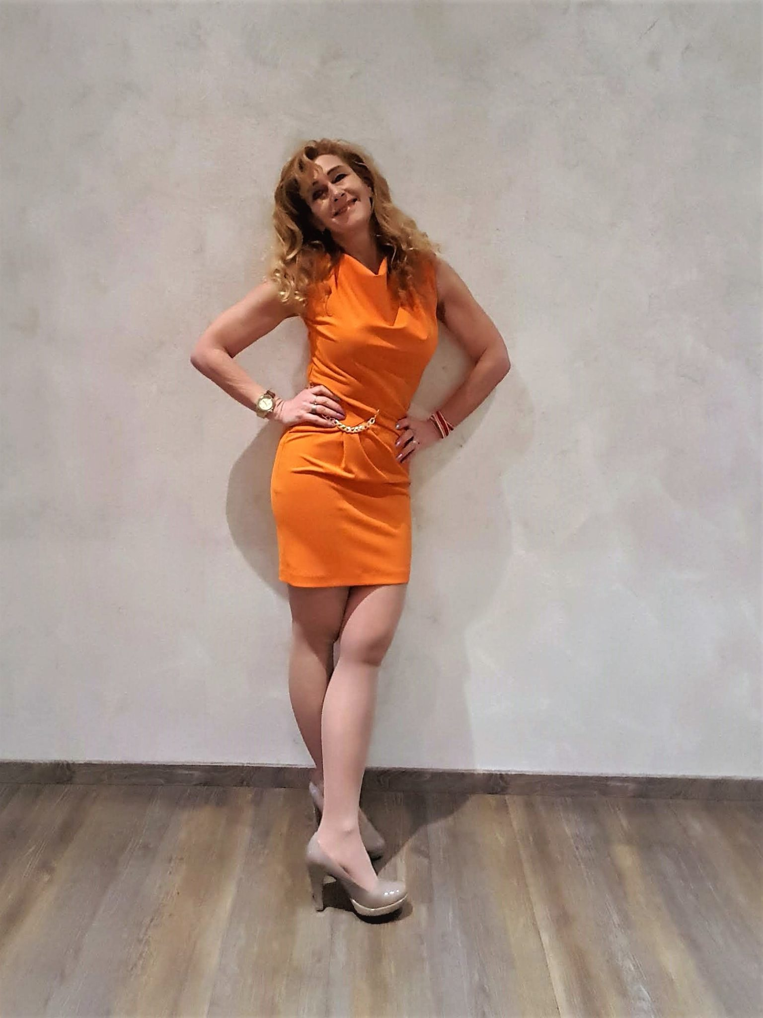 Rinascimento Wickel-Kleid in der Trendfarbe Orange
