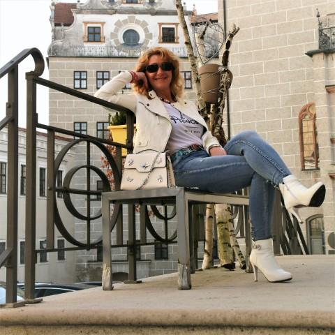 Lederjacken – den Trend-Klassiker trägt man nun in Weiß