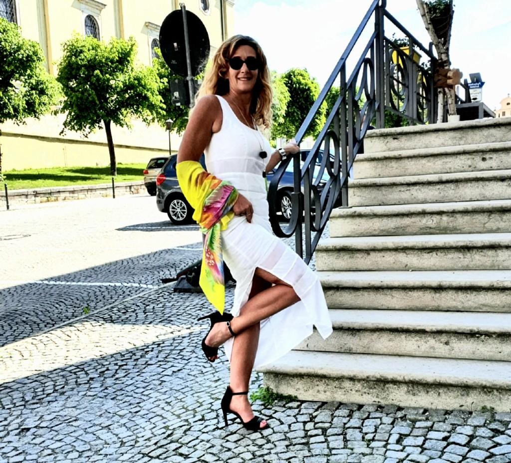 Weißes Leinenkleid von Heine