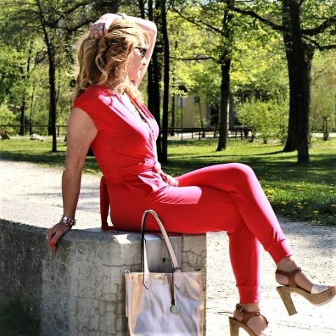 Elegante Jumpsuits -ein schickes Kleidungsstück