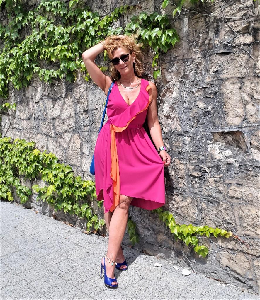 """Kleid von """"Rinascimento"""" mit Color-Blocking"""
